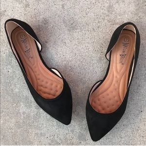 Nature Breeze Black Pointed Toe Flat Loafer